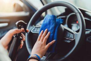 تتبع هذه الخطوات عند تنظيف محرك السيارة .. ونصائح أخرى لحمايتها من السرقة